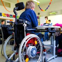 Ребенок с ограниченными возможностями — как школа будет заботиться о нем
