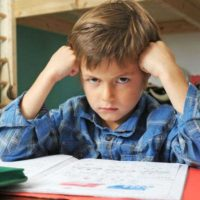 Опять вызывают в школу. Как себя вести родителям проблемного ребенка?
